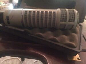 Electro Voice RE-20 Microphone