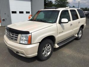 2003 Cadillac Escalade AWD, 7 Passagers, Système audio BOSE, Jan