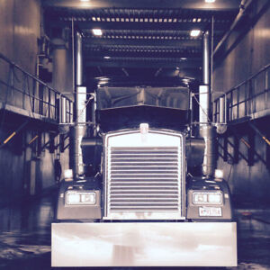 Mint Customized KW w900 with Low Kms Must Sell!
