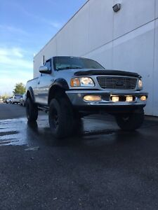 2001 Ford F-150 // $2000.00 // OBO // as is