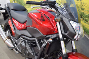 Honda NC750SA *** LIKE NEW ***