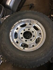 Wild country 245/75/16 w/ bolt gm aluminum rims