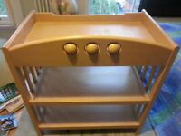 Very good quality baby changing table.
