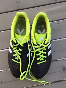 Adidas Soccer Turf shoes size 7.5