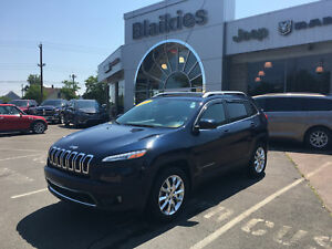 2015 Jeep Cherokee Limited | 4x4 | SUNROOF | HEATED SEATS | NAV