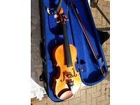 1/2 size stentor violin very good condition