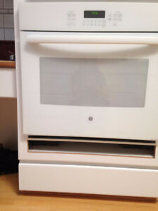 New Built-In Single GE Oven