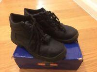 Safety boots - Size UK7 / EUR41