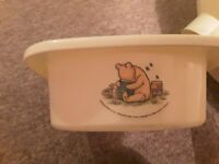 Winnie the pooh baby bath and top and tail bowl