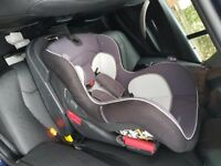 mama & papas car seat with iso base