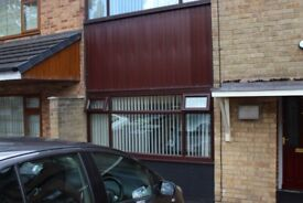 2 Bedroom Decent House with Drive way plus Secure Garden-Eastborough Crescent @ £480