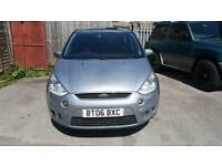 FORD S-MAX TITANIUM 2.0 TDCI 7 SEATER MPV PANORAMIC ROOF 6SPEEDS MANUAL