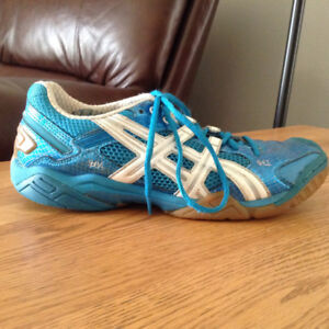 Ladies Asics Volleyball sneakers/court shoes