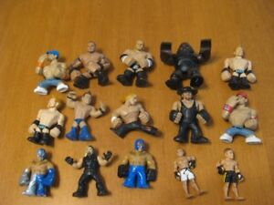 WWE WRESTLING SMALL FIGURES LOT OF 15