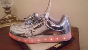 Led light silver running shoes