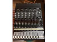 Mackie Onyx 1640 16-Channel Mixing Desk with FireWire Interface