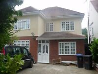 5 Bed semi-detached house in Wembley
