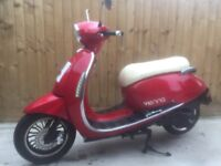 Vespa 125cc scooter bike moped 2015 3000 miles