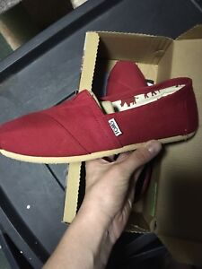 Women's Toms - size 9 - never worn