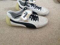 Puma King size 8, White leather football / Astro turf trainers, no Studs.
