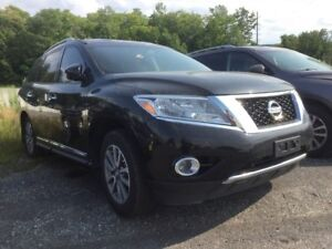 2014 Nissan Pathfinder SL - PERFECT FOR THE FAMILY