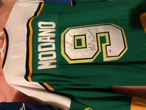 Mike Modano - PSA authenticated autographed jersey