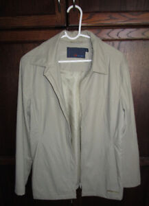 Ladies tan spring jacket from Bluenotes in size Lg *barely worn