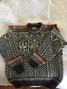 Men's Dale of Norway sweater size M