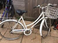 Raleigh Caprice Ladies Town Bike. Good Condition, Free Lock, Lights, Delivery. Warranty
