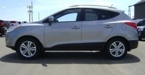 2012 Hyundai Tucson GLS AWD  136,150km  Leather