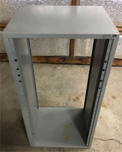 23 uc SPACE METAL EQUIPMENT RACK cw 2 shelves