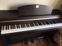 Yamaha Clavinova CLP-920 piano with free stool