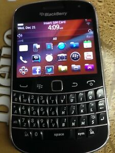 Blackberry bold 9900, unlocked , touch screen