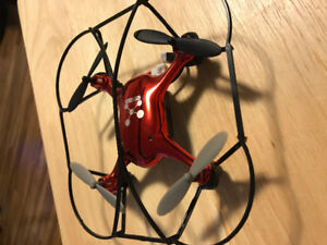 Propel Neutron 2.4GHz R/C Quad Helicopter with Camera
