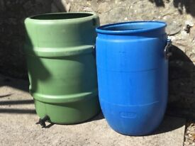 Water butt with tap and water barrel (price is for both)