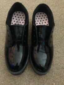 Marks and Spencer girls brand new size 3 patent leather school shoes in immaculate unworn condition