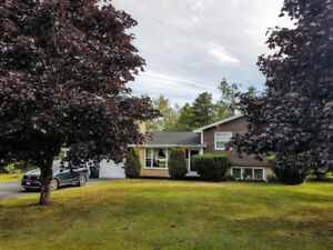 OPEN HOUSE SUNDAY AUGUST 20TH 1-2pm