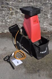 Champion 230V 2400W Electric Garden Shredder with bag, push rod and manual - Excellent Condition