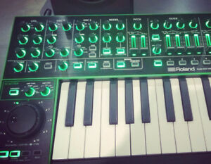Roland Aira System-1 synth   mint with box