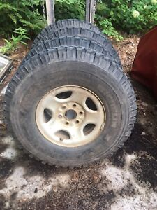"""33"""" military tires on gm rims(16"""")"""