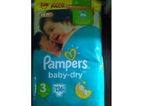 Pack of 136 baby-dry pampers size 3