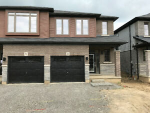 Luxury New Townhome for Rent in the Heart of Ancaster