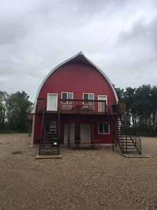 Asessippi and Lake of The Prairies -BARN IN THE BUSH (motel)