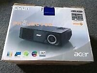 ACER X110P DLP PROJECTOR and CEILING MOUNT
