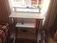 Computer desk in perfect condition