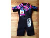 WETSUIT INFANT GIRLS - SIZE 2-3 YEARS - UV 50+ PROTECTION BLACK/FLOWERS - MAKE HOT TUNA