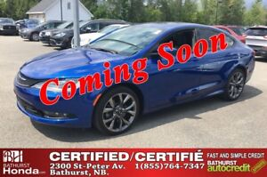 2015 Chrysler 200 S - V6, AWD V6 - 295hp! AWD! Leather! Power Mo