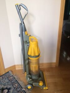 Dyson DC07 for repair or spare parts