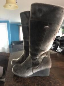 Brand New Seal Skin Boots