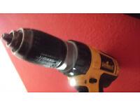 DEWALT DC 725 18 volt cordless drill (BODY ONLY)